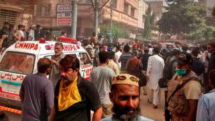 Se estrelló un avión de Pakistani International Airlines con 107 personas a bordo cerca del puerto de Karachi