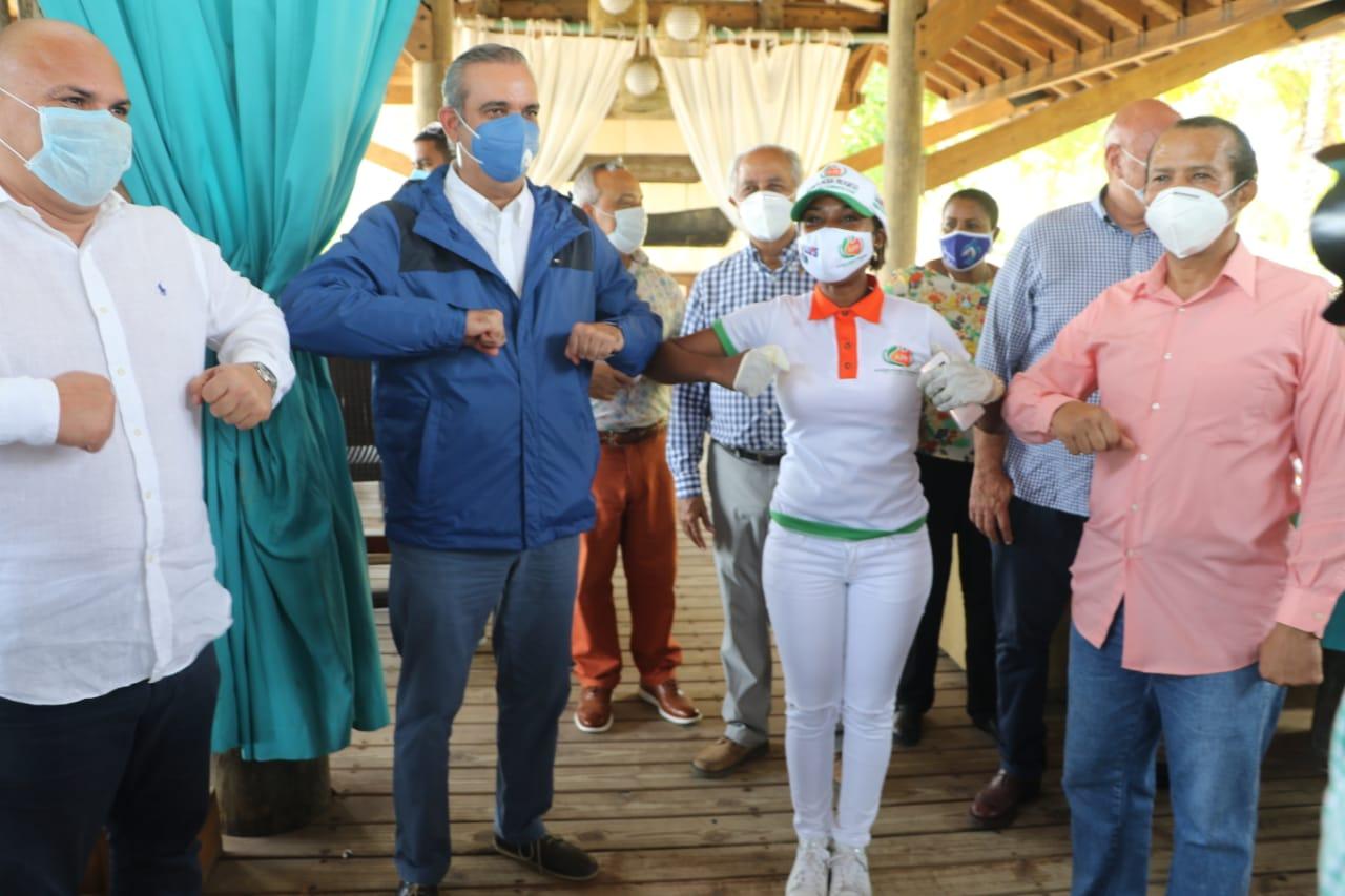 """Abinader afirma """"gobierno del PRM emprenderá medidas adecuadas y suficientes para arrancar el turismo"""