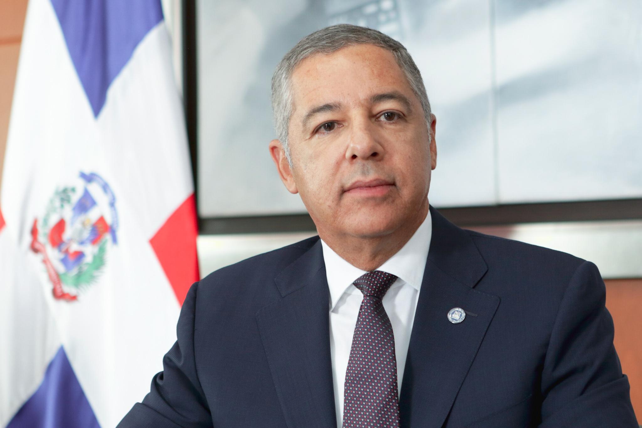 """Ministro de Hacienda asegura """"colocación de bonos por RD$40,000 millones permitirá mantener apoyo al Estado"""""""