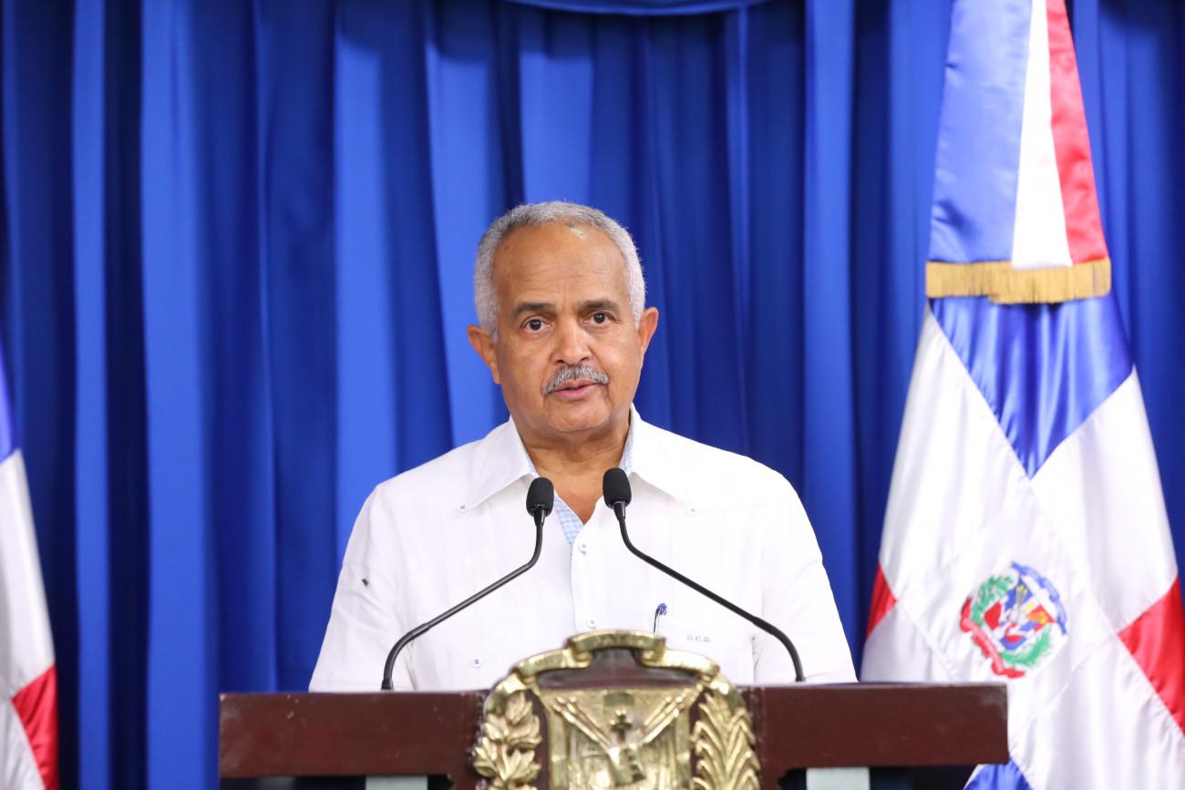 Presidente Medina se reúne con funcionarios del sector agropecuario