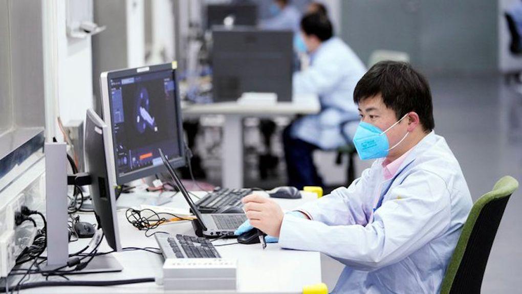 """Un laboratorio chino cree poder detener la pandemia """"sin vacuna"""""""