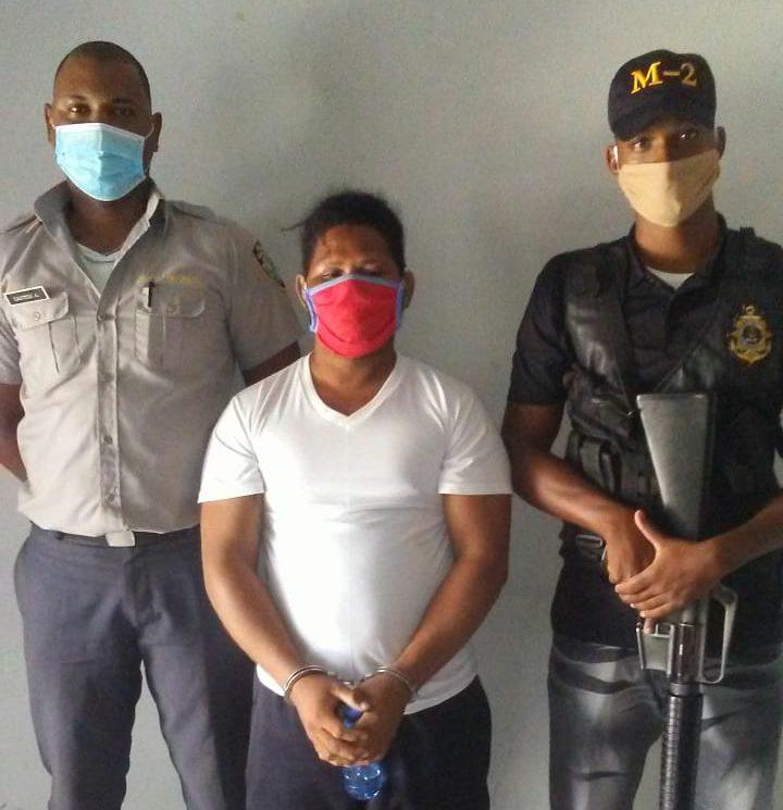 Miembros de la Armada capturan a Hilario Váldez,  capitán del viaje ilegal que zozobró en SPM