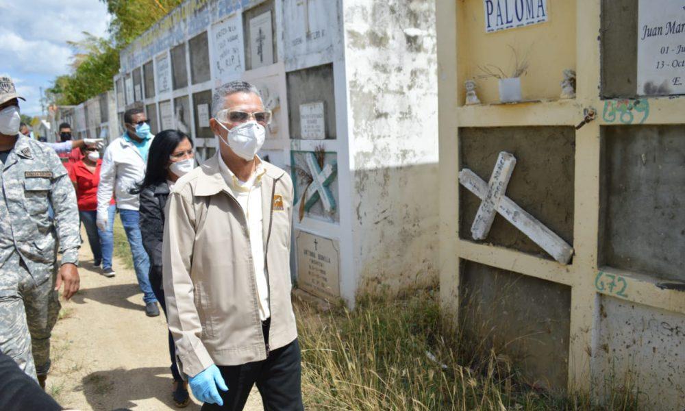 Video | Manuel Jiménez deplora dejadez enterramientos Señor Cristo