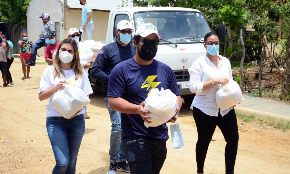 Movimiento Flash distribuye alimentos y kits con materiales higiénicos en barrio SFM