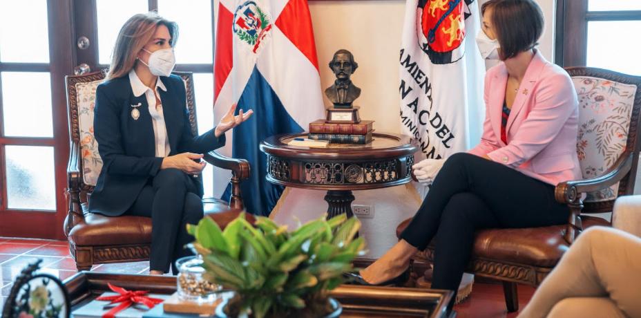 Alcaldesa del Distrito Nacional y Embajadora de Canadá inician diálogo de cooperación