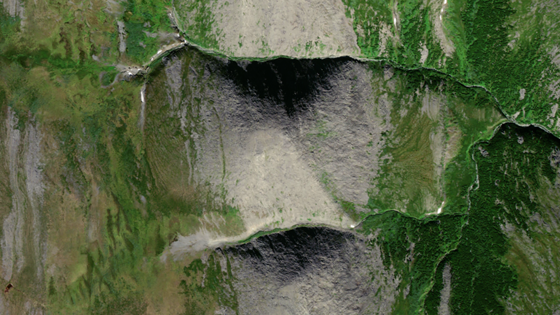 Descubren una enorme pirámide natural en Rusia dos veces más grande que la pirámide de Keops