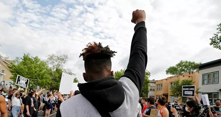 Despiden a cuatro policías en EEUU tras la muerte de un afroamericano