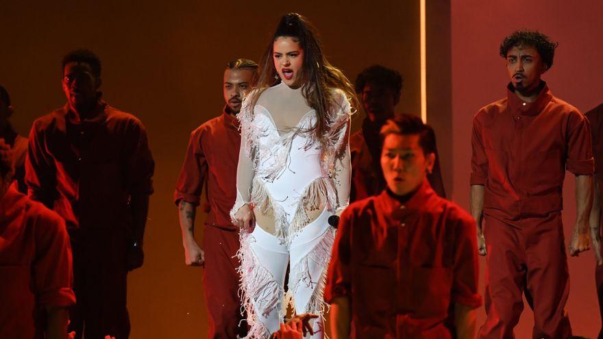 """Rosalía anuncia """"KLK"""", nueva canción junto a ARCA, para el 26 de junio"""