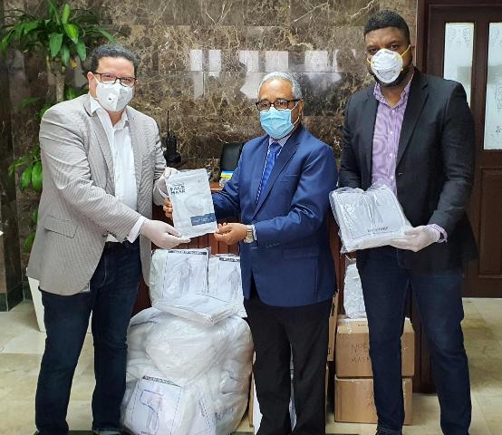 SICPA dona artículos médicos al Ministerio de Salud Pública