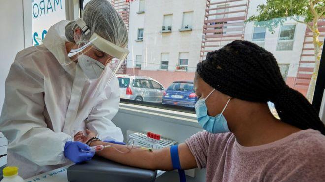 Tratamientos contra el coronavirus: qué progresos se han logrado en la búsqueda de una cura para el covid-19