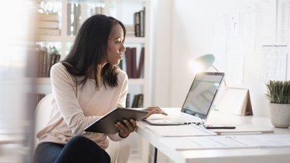 Cómo hacer funcionar el trabajo de oficina cuando no hay oficina: 16 consejos para empleados y jefes