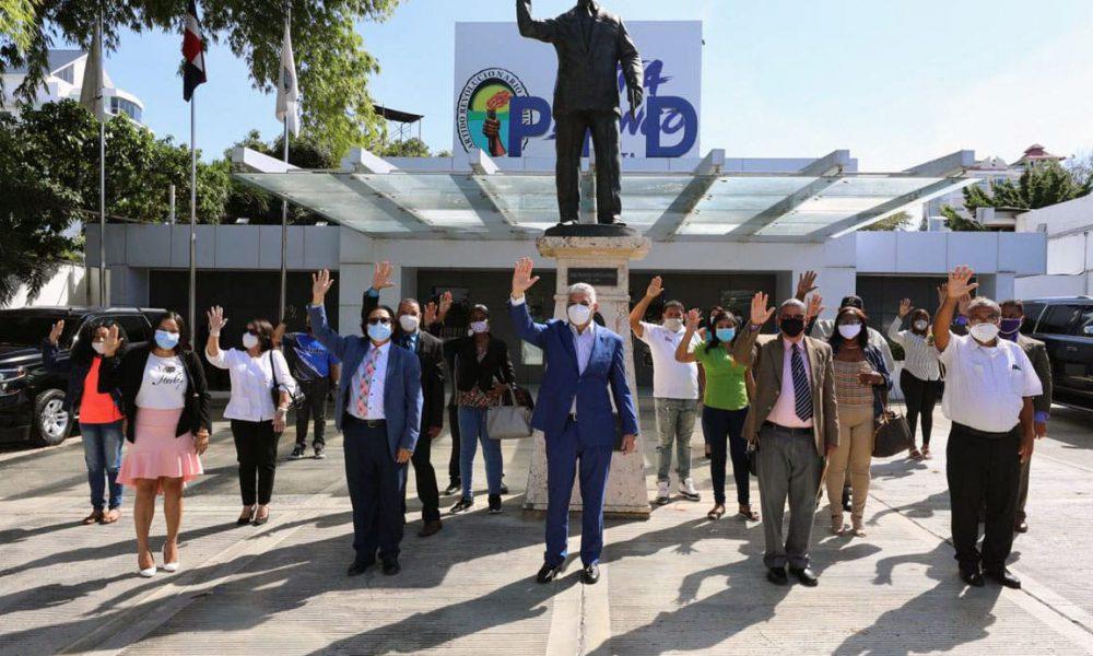PRD juramenta a exdirigentes del BIS y de otros partidos