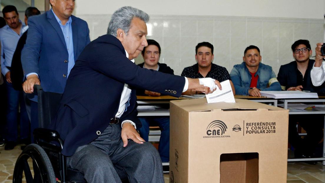 Gobierno ecuatoriano envuelto en escándalo de corrupción por presunto financiamiento ilícito a la campaña de consulta popular de 2018