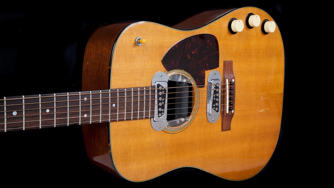 Compran una guitarra de Kurt Cobain por un récord histórico de seis millones de dólares