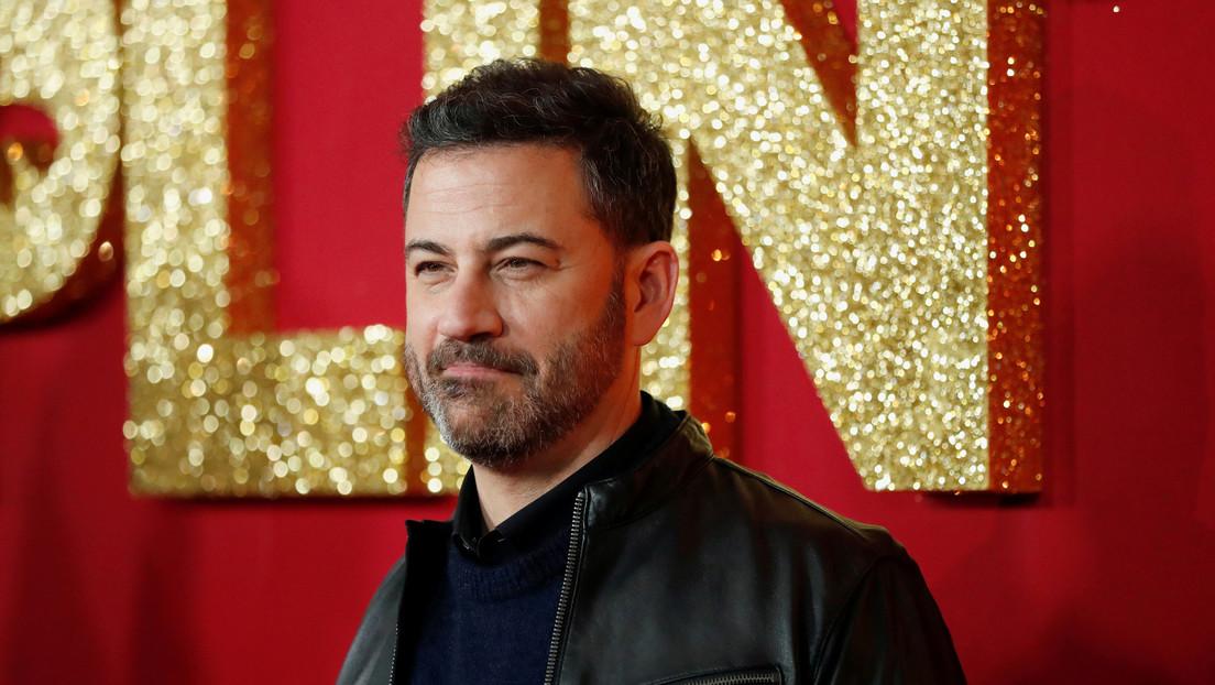 El presentador Jimmy Kimmel se disculpa por pintarse de negro para imitar a estrellas afroamericanas