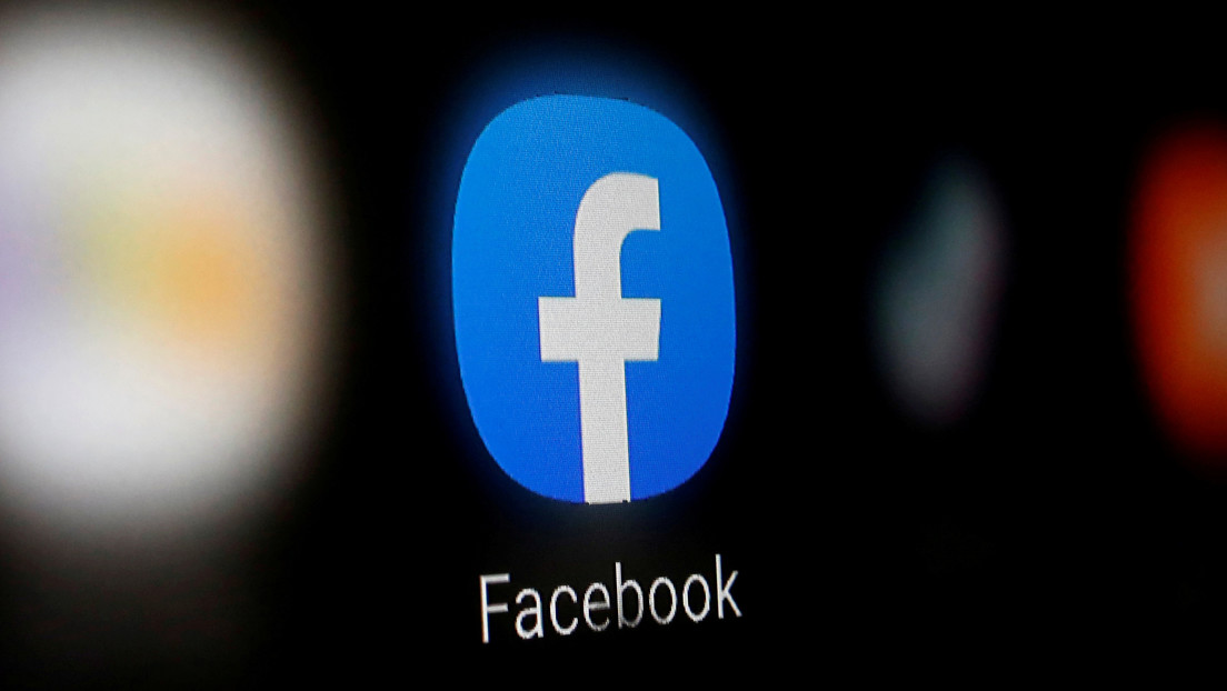 """El modo oscuro de Facebook llega a los móviles de """"un pequeño porcentaje de usuarios"""""""
