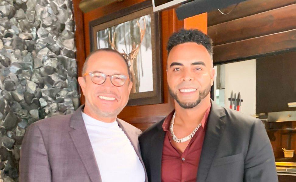 José Antonio Rodríguez felicita a Nelson Cruz galardonado con el Premio Muhammad Ali Humanitario 2020
