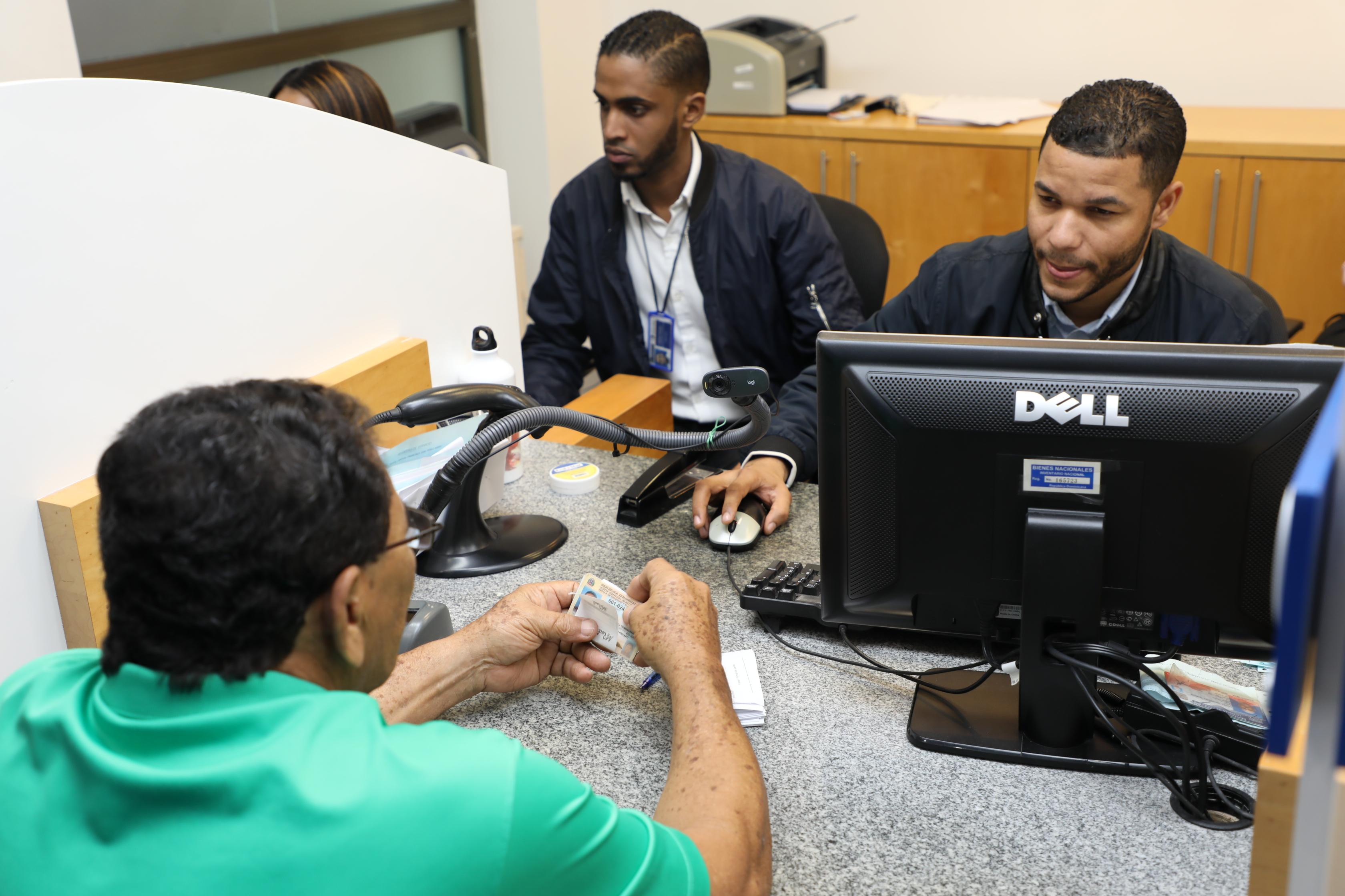 INTRANT extiende vigencia  licencias de conducir y carnés de aprendizaje hasta el primero de agosto