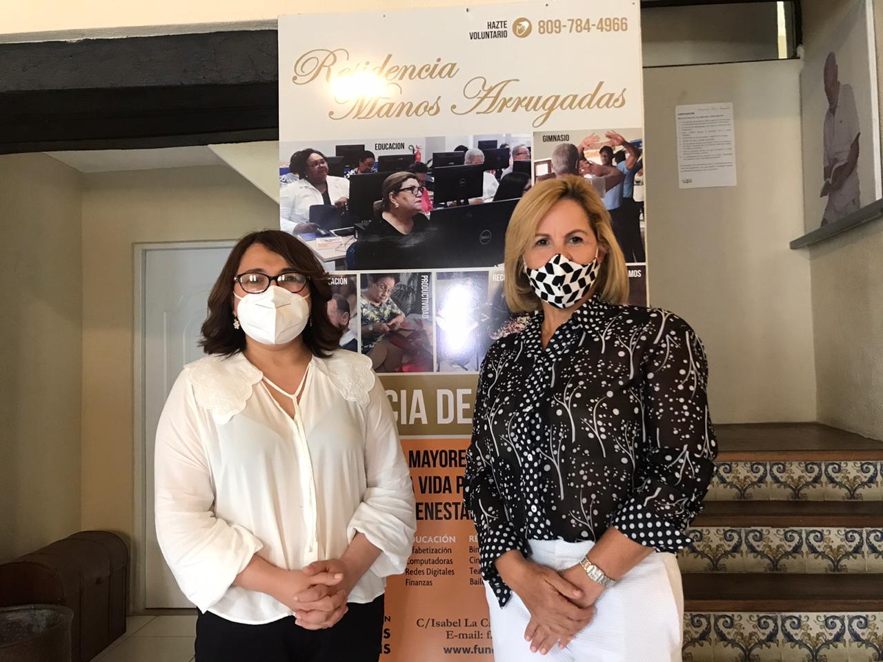 Emelyn Baldera afirma impulsará proyecto de Ley para adultos mayores de Fundación Manos Arrugadas