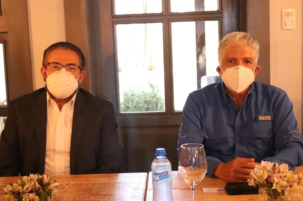 Guillermo Moreno reafirma apoyo a Eduardo Estrella en Santiago