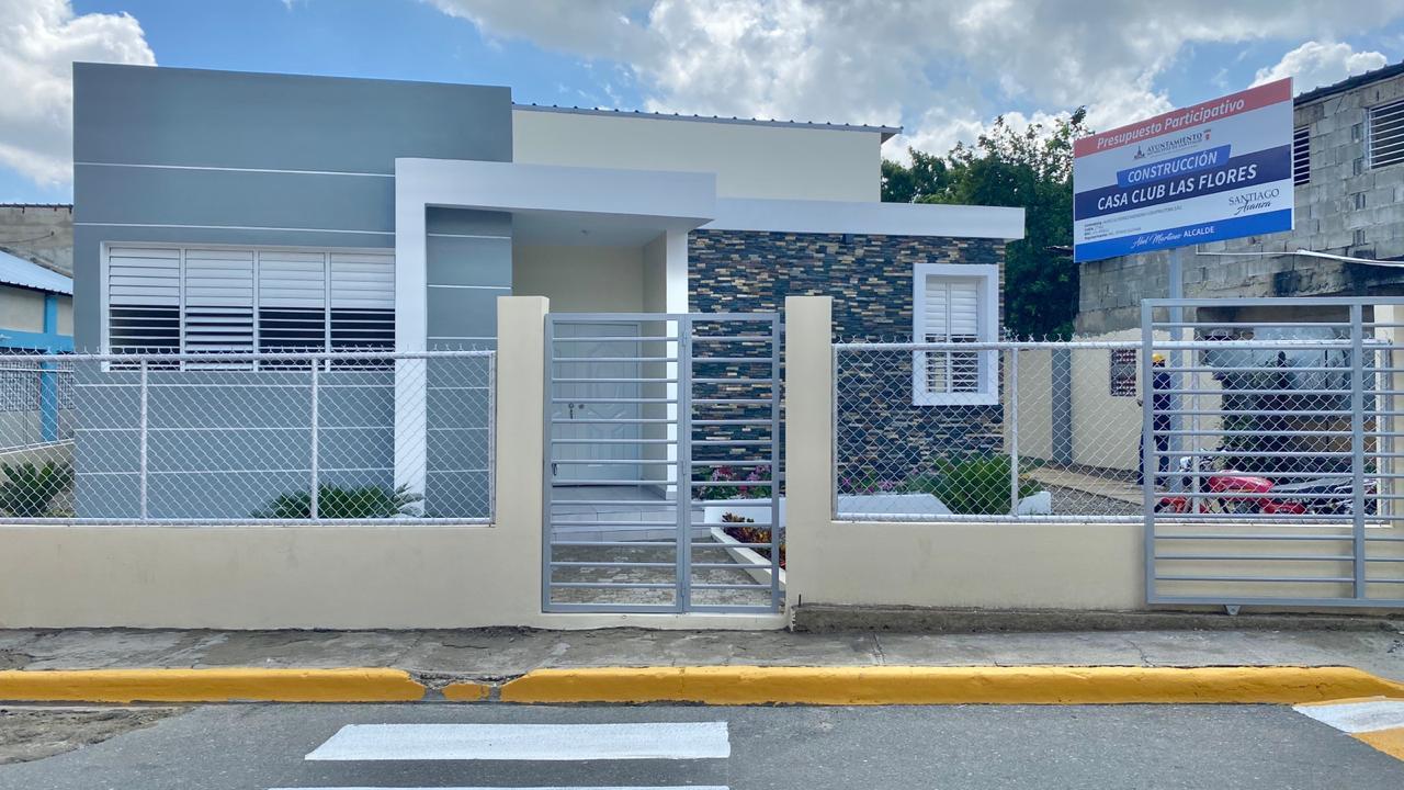 Alcaldía Santiago entrega Casa Club en sector Las Flores
