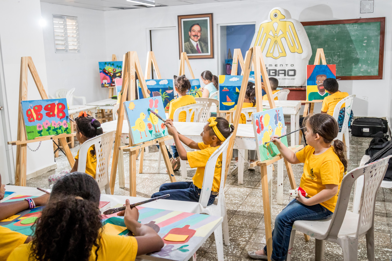 """Cementos Cibao presenta concurso infantil """"Pinta lo nuestro"""""""