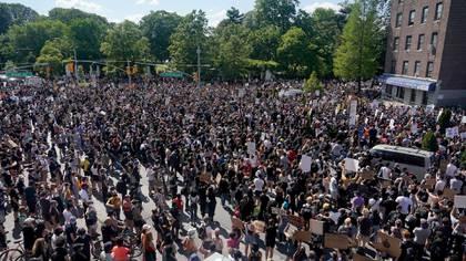 Los riesgos de protestar durante una pandemia