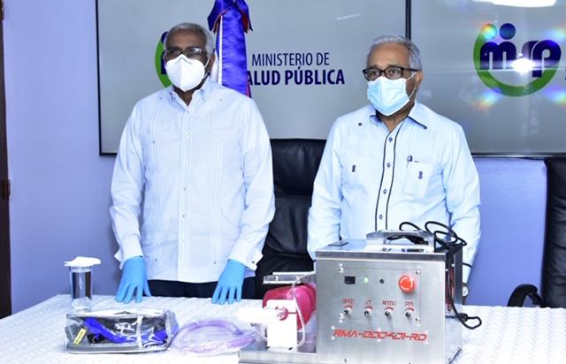 INTEC entrega primeros ventiladores mecánicos al Ministerio de Salud Pública