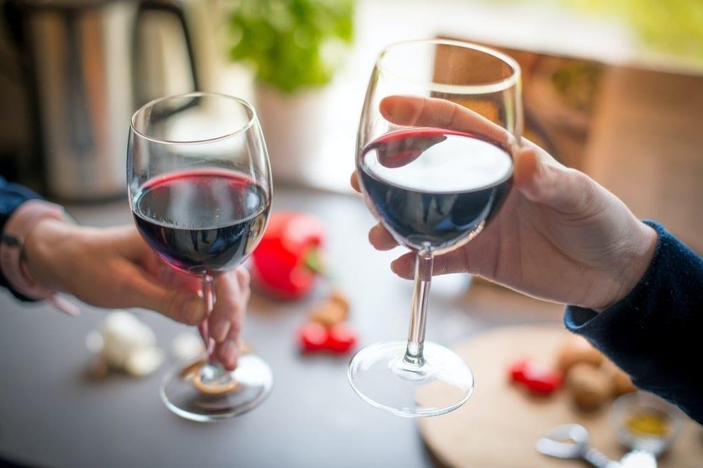 Artículo | Venta de vino se alza ante la caída del consumo de bebidas alcohólicas en el primer cuatrimestre