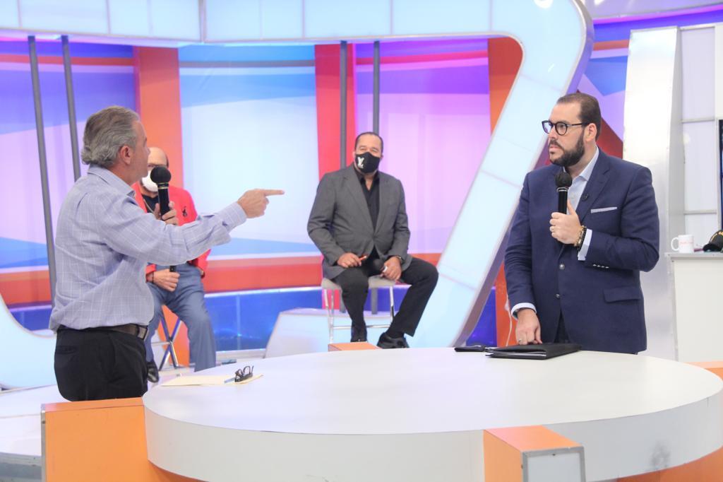 """""""Los colegios no deben seguir como un negocio privado"""": Víctor Gómez Casanova"""