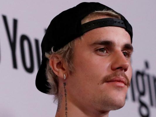 Justin Bieber se defendió de una acusación de abuso sexual con Selena Gómez en el medio