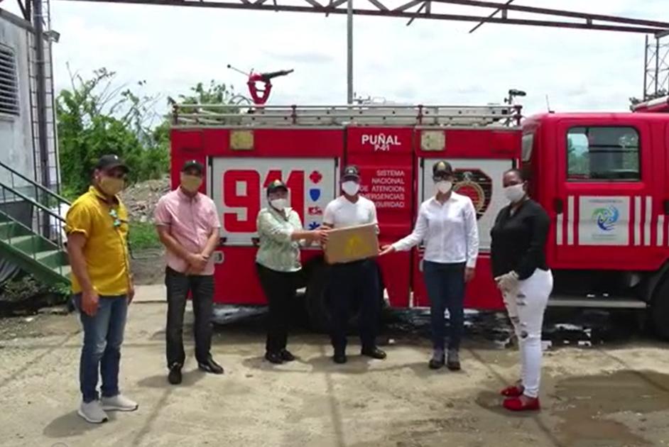 Video | Cementos Cibao beneficia a 1,800 familias con productos de primera necesidad