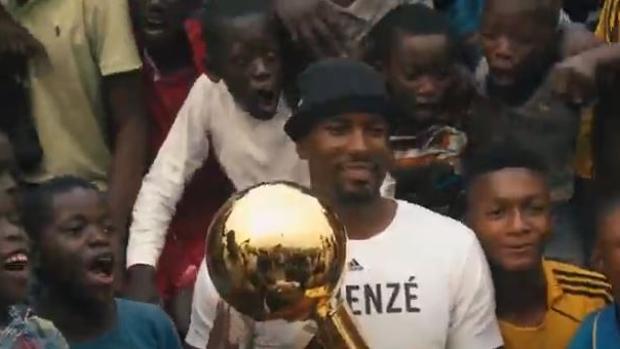 Video | La dura infancia de Ibaka: «Jugaba al baloncesto para olvidar que no tenía qué comer»