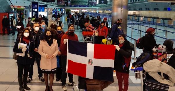 Embajada Dominicana en Argentina auspicia tercer vuelo de repatriación