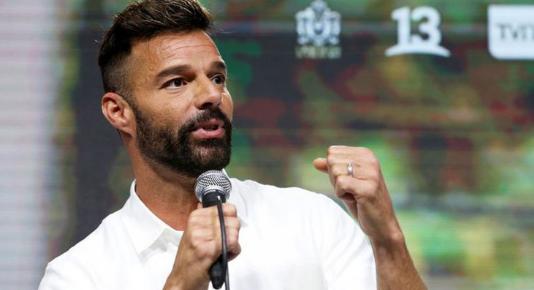 La original y romántica foto de Ricky Martin junto a su marido para celebrar el Día del Orgullo 2020