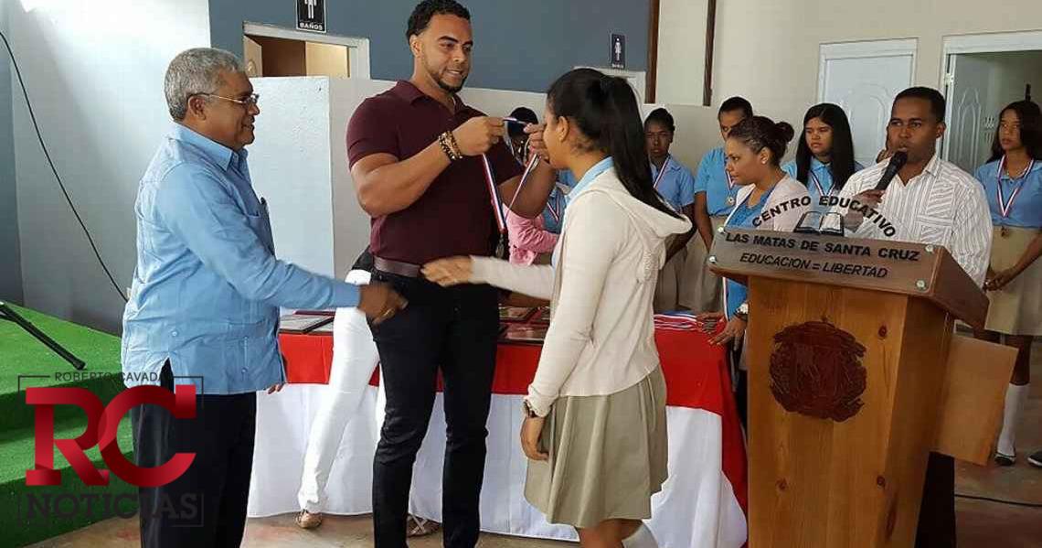Nelson Cruz gana premio ''Hombre del año Marvin Miller''