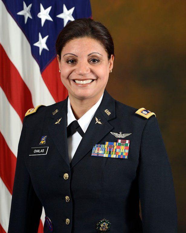 Primera latina en pilotar un helicóptero de combate en EEUU es dominicana