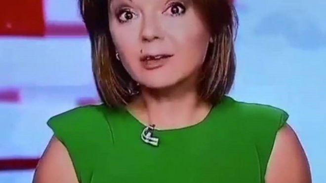 Video | La presentadora de noticias que perdió un diente en vivo (y siguió hablando)