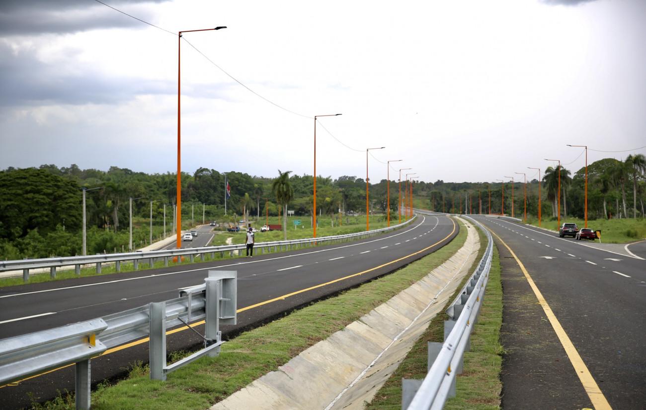 Danilo Medina entrega tramo 2-B Circunvalación Santo Domingo para descongestionar tránsito