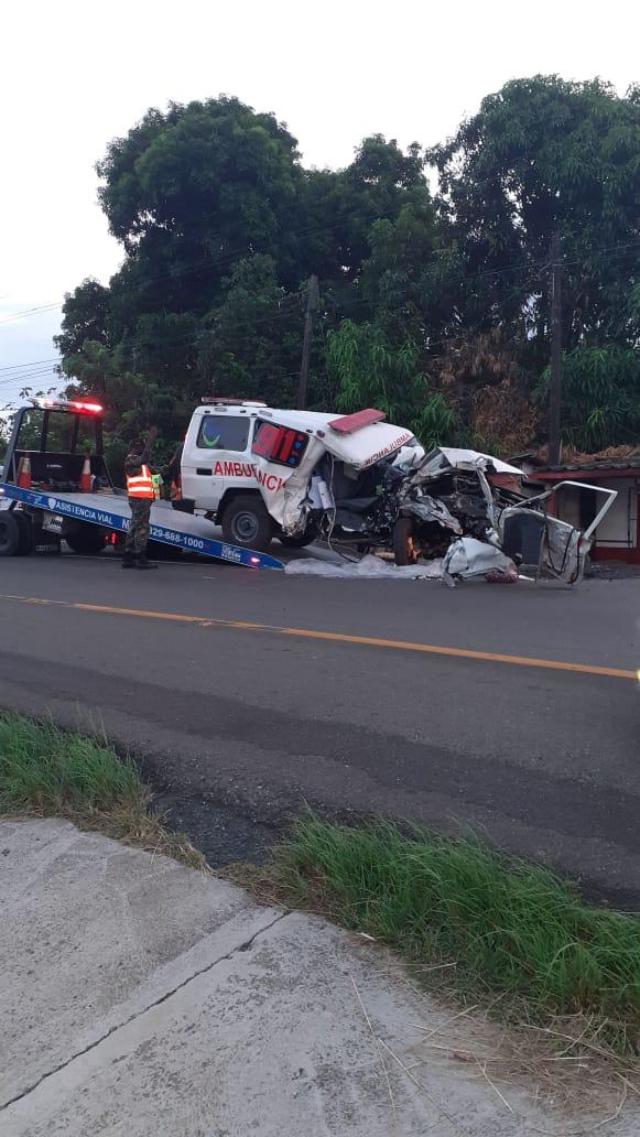 Una persona resulta muerta en accidente de ambulancia 911