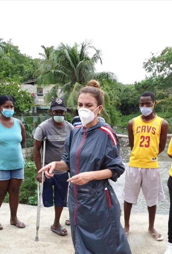 Alcaldesa Carolina Mejía supervisa barrios vulnerables ante el paso de la tormenta Isaías