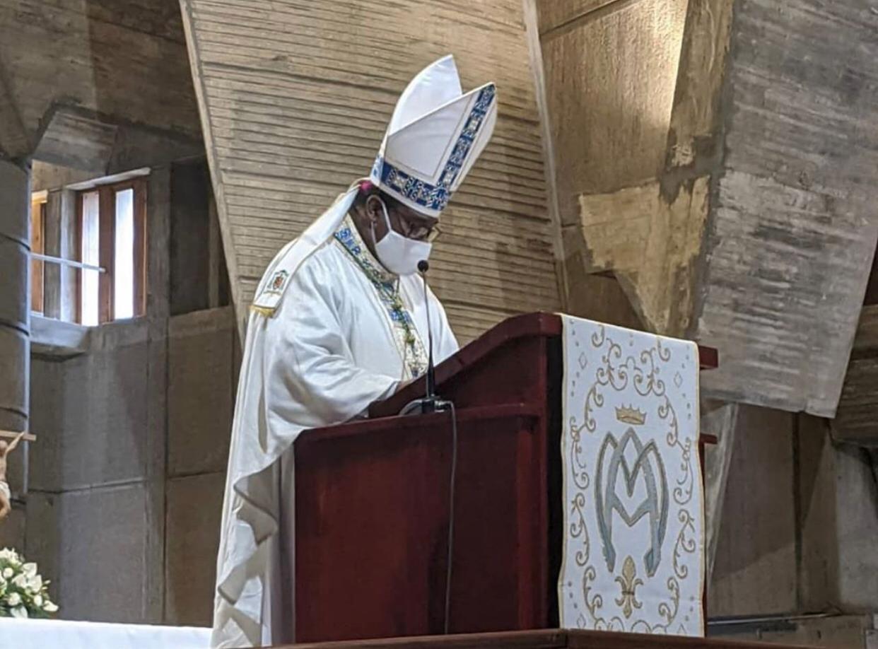 Monseñor Jesús Castro toma posesión canónica de Nuestra Señora de la Altagracia en Higüey