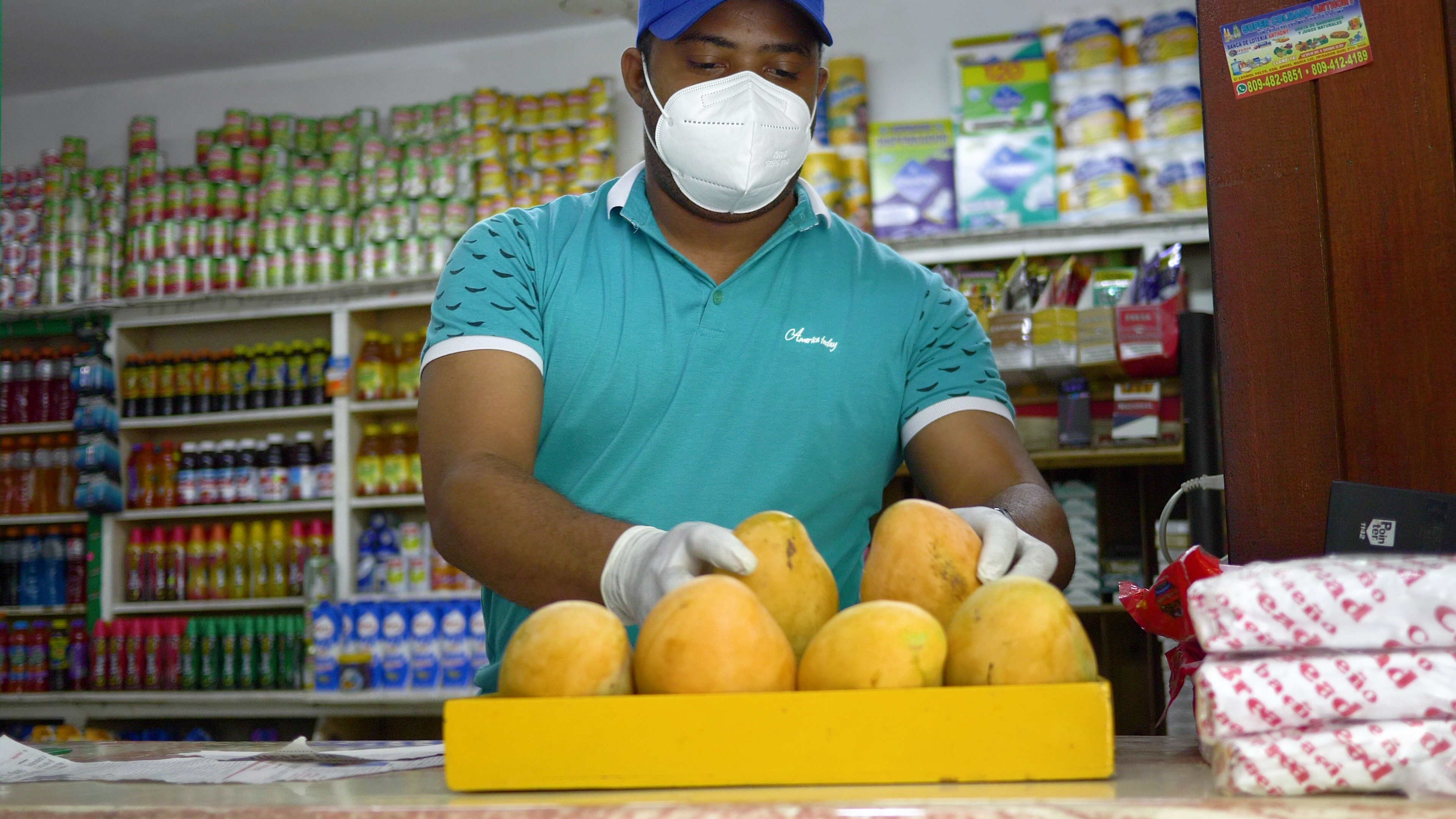 """Coca-Cola apoya a colmaderos durante la pandemia con """"Pequeños Gigantes"""""""
