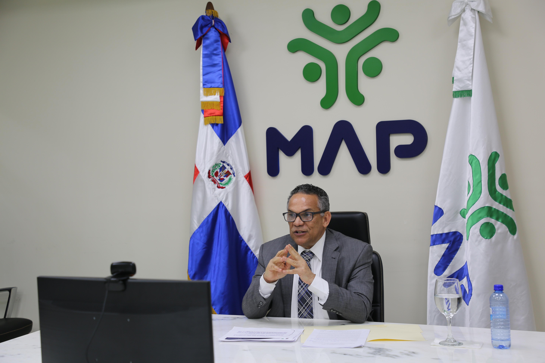 MAP evalúa solicitud de incorporación de diplomáticos a Carrera Administrativa