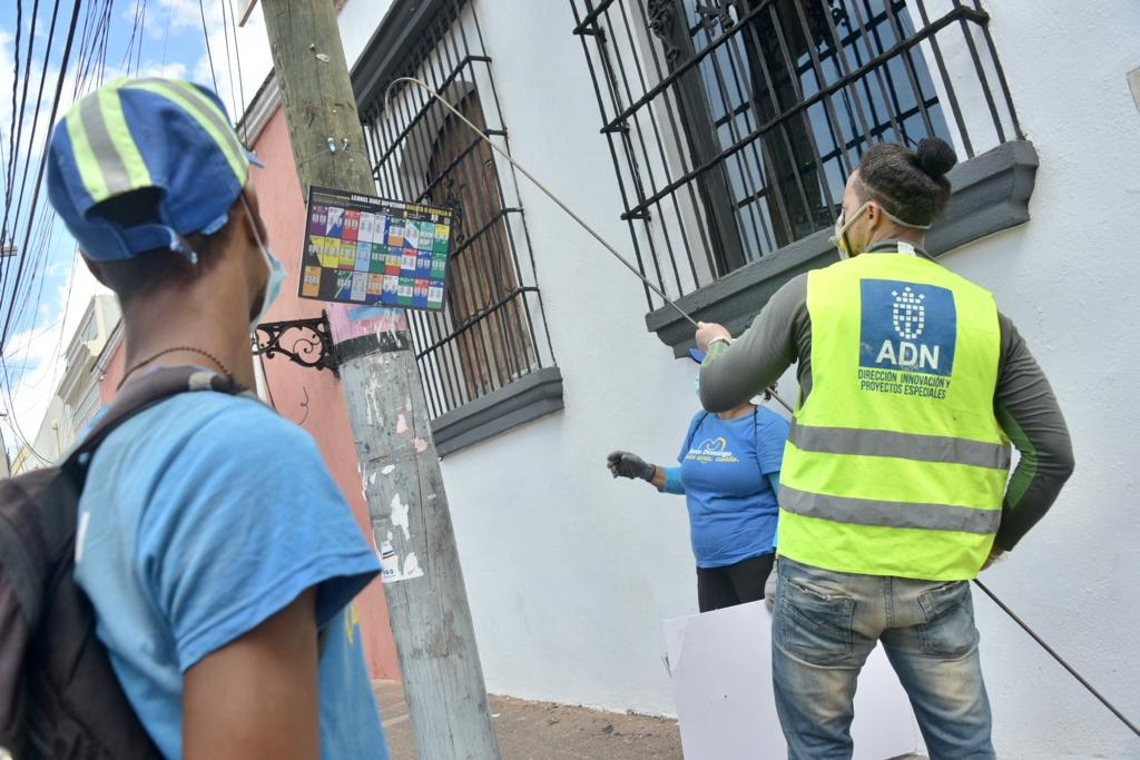 Alcaldía Distrito Nacional retira propaganda política colocada durante campaña
