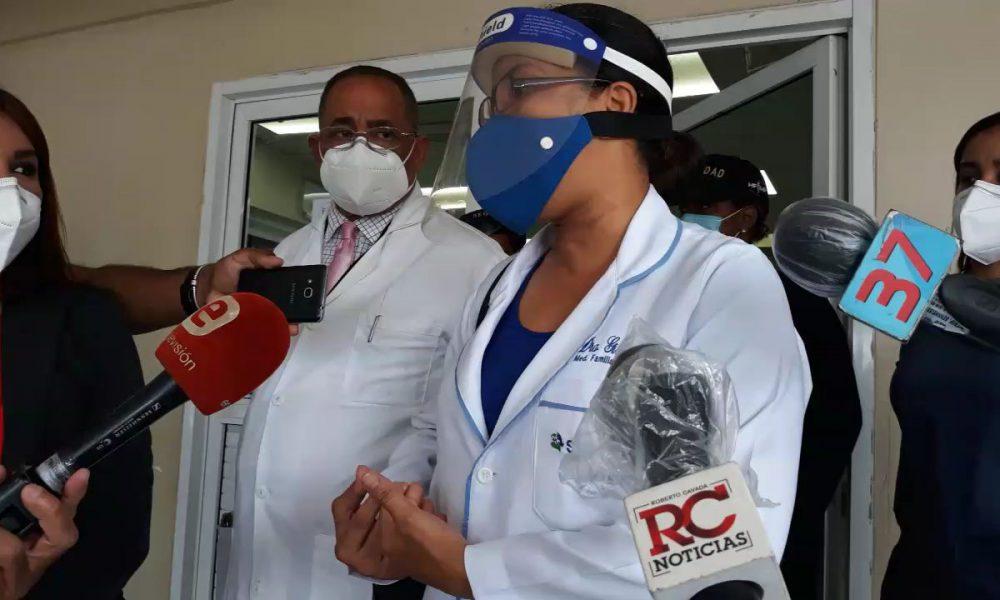 Video | Médicos denuncian hospital Moscoso Puello no tiene las condiciones para recibir pacientes con COVID-19