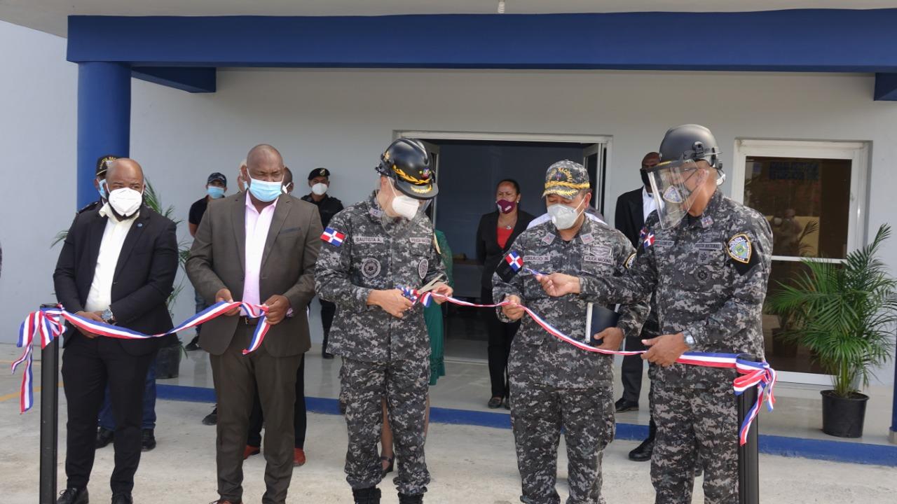Apertura de moderno destacamento refuerza labores preventivas en La Caleta, municipio de Boca Chica
