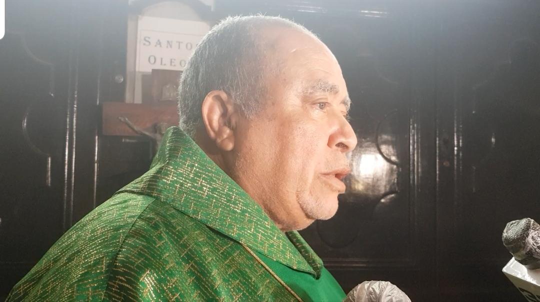 Padre Máximo Rodríguez dice a partir de enero tiene que irse notando el cambio