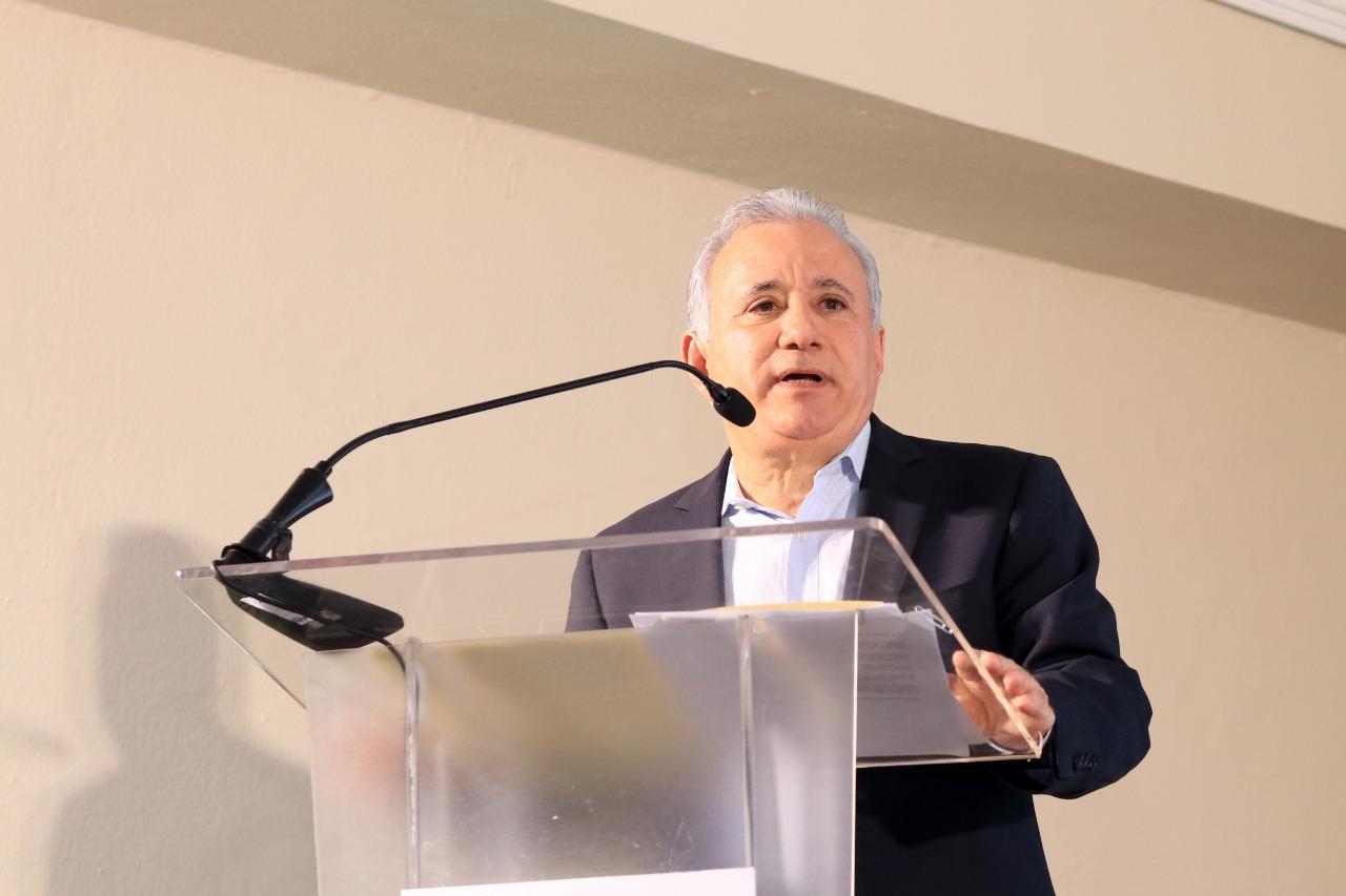 Senador Antonio Taveras propone plan de austeridad que inicie por el Congreso