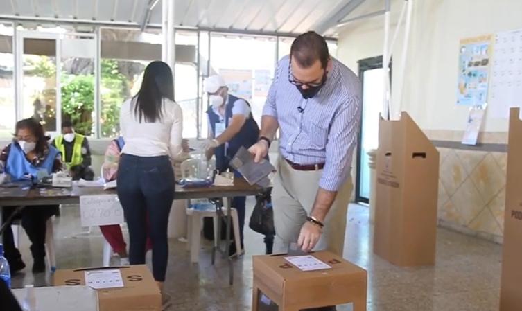 Video | Gómez Casanova felicita al pueblo dominicano por civismo demostrado en comicios